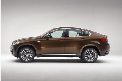 BMW X6 E71 LCI Aussenansicht Seite statisch Studio braun