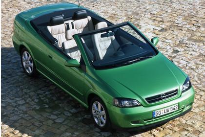 Opel Astra G Cabrio Front seite erhöht statisch grün