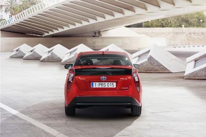 Toyota Prius XW5 Aussenansicht Heck statisch rot