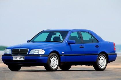 Mercedes-Benz C-Klasse Limousine W202 Aussenansicht Front schräg statisch blau