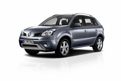 Renault Koleos Y Aussenansicht Front schräg statisch Studio grau
