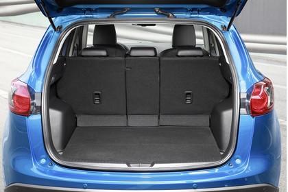Mazda CX-5 KE Aussenansicht Heck statisch blau Heckklappe geöffnet