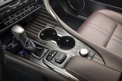 Lexus RX AL2 Innenansicht statisch Studio Detail Mittelkonsole