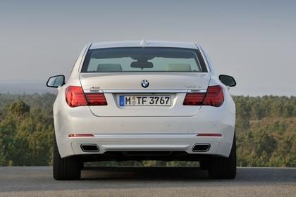 BMW 7er Limousine F01 LCI Aussenansicht Heck statisch weiss