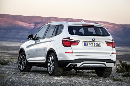 BMW X3 F25 Facelift xline Aussenansicht Heck schräg dynamisch silber