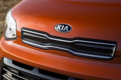 Kia Soul PS Aussenansicht Detail  Kühlergrill statisch orange