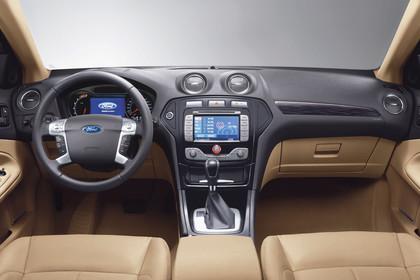 Ford Mondeo Mk4 Innenansicht statisch Studio Vordersitze und Armaturenrbrett