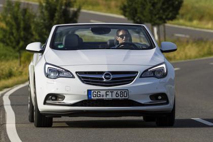 Opel Cascada Aussenansicht Front dynamisch weiss
