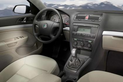 Skoda Octavia 1Z Combi Innenansicht Beifahrerposition statisch beige