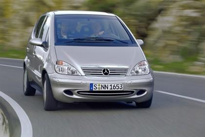 Mercedes A-Klasse W168 Aussenansicht Front dynamisch silber