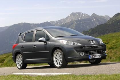 Peugeot 207 SW W Aussenansicht Front schräg statisch grau