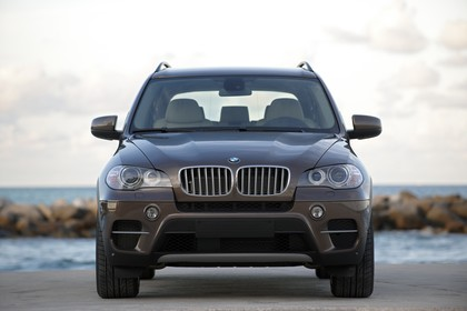 BMW X5 E70 LCI Aussenansicht Front statisch braun