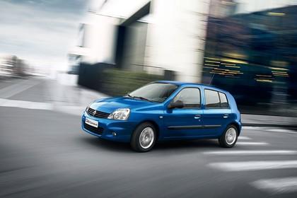 Renault Clio B Facelift Fünftürer Aussenansicht Seite schräg dynamisch blau