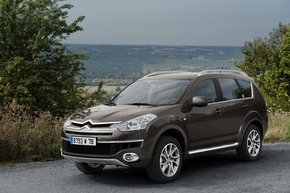 Citroën C-Crosser Aussenansicht Front schräg statisch braun