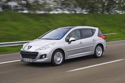 Peugeot 207 SW W Facelift Aussenansicht Front schräg dynamisch silber