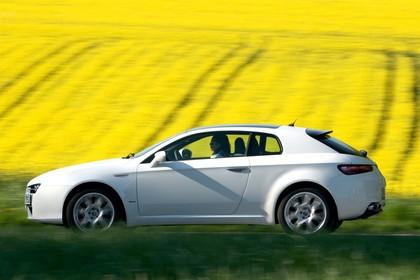 Alfa Romeo Brera 939 Aussenansicht Seite dynamisch rot
