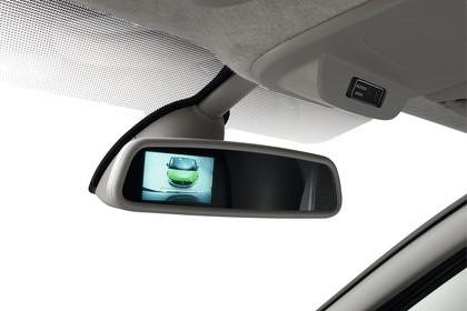 Renault Trafic 3 Combi Innenansicht statisch Studio Detail Innenspiegel Rückfahrkamera