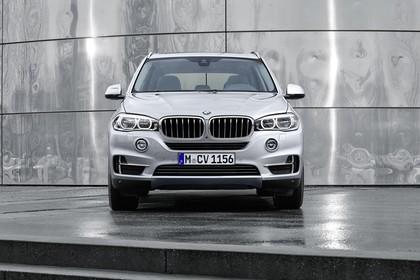 BMW X5 Facelift Aussenansicht Front statisch silber