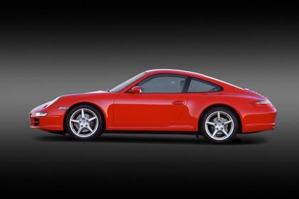 Porsche 911 Carrera 997.1 Aussenansicht Seite statisch Studio rot
