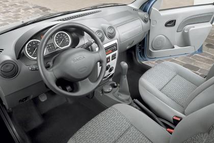 Dacia Logan MCV Innenansicht Fahrerposition statisch grau