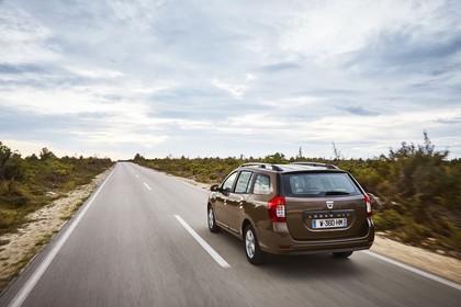 Dacia Logan MCV K8 Aussenansicht Heck schräg dynamisch braun