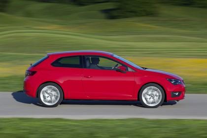 SEAT Leon SC 5F Seite dynamisch rot