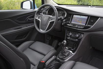 Opel Mokka X Innenansicht Beifahrerposition statisch shcwarz