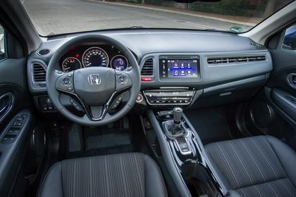 Honda HR-V RU Innenansicht statisch Vordersitze und Armaturenbrett fahrerseitig