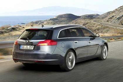 Opel Insignia G09 Sports Tourer Aussenansicht Heck schräg dynamisch silber