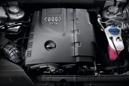 Audi A4 B8 Avant Aussenansicht Detail Motorraum statisch schwarz
