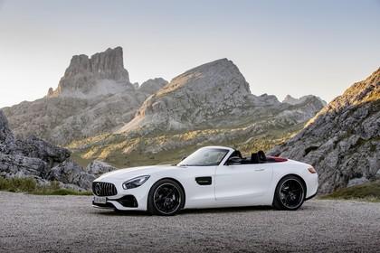 Mercedes-AMG GT Roadster C190 Aussenansicht Seite statisch weiss