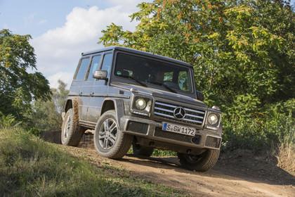 Mercedes-Benz G-Klasse W463 Aussenansicht Front schräg dynamisch grau