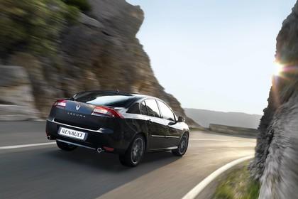 Renault Laguna Limousine T Facelift Aussenansicht Heck schräg dynamisch schwarz