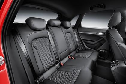 Audi RSQ3 8U Innenansicht Rücksitzbank Studio statisch schwarz