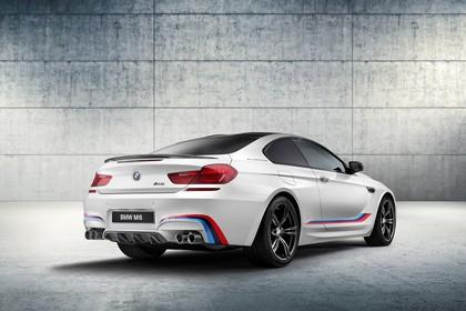 BMW M6 Coupé Competition F13 Heck schräg statisch Studio weiss