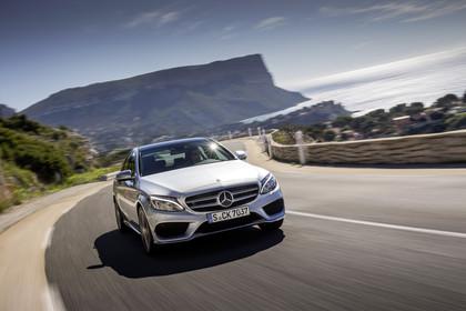 Mercedes C-Klasse W205 Aussenansicht Front schräg dynamisch silber
