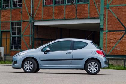 Peugeot 207 W Dreitürer Aussenansicht Seite statisch blau