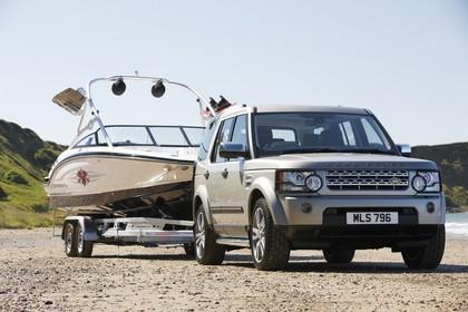 Land Rover Discovery 3/4 Aussenansicht Front schräg statisch silber