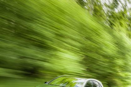 Mercedes A-Klasse W176 Aussenansicht Front schräg dynamisch grün