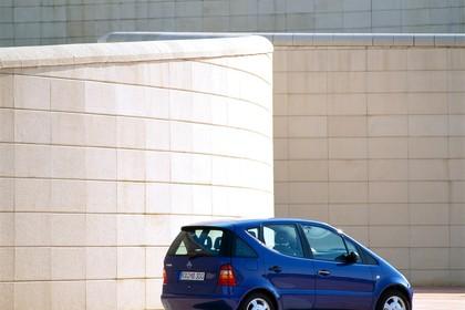 Mercedes A-Klasse W168 Aussenansicht Heck schräg statisch blau