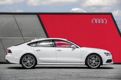 Audi A7 4G Aussenansicht Seite statisch weiss
