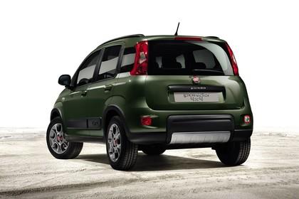 Fiat Panda 4x4 319 Aussenansicht Heck schräg statisch Studio grün