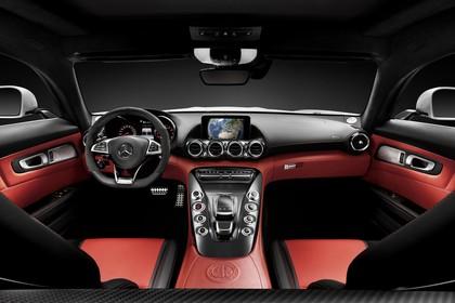 Mercedes-AMG GT Roadster C190 Innenansicht Studio statisch schwarz rot