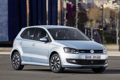 VW Polo 6R Facelift BlueMotion Fünftürer Aussenansicht Front schräg statisch silber