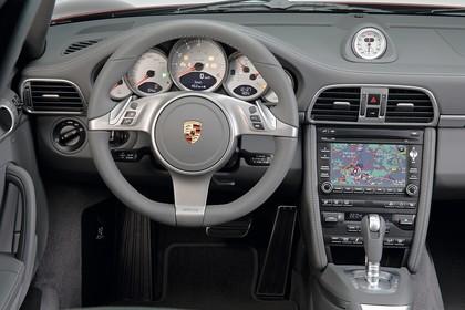 Porsche 911 Carrera 997.2 Innenansicht statisch Lenkrad und Armaturenbrett fahrerseitig