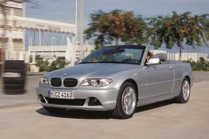 BMW 3er Cabriolet E46 LCI Aussenansicht Front schräg dynamisch silber