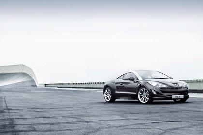 Peugeot RCZ Aussenansicht Front schräg statisch schwarz