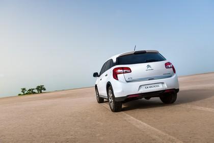 Citroën C4 Aircross B Aussenansicht Heck schräg statisch weiss