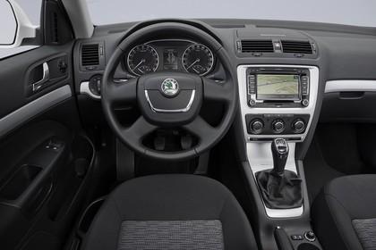 Skoda Ocavia 1Z Facelift Innenansicht Fahrerposition Studio statisch schwarz