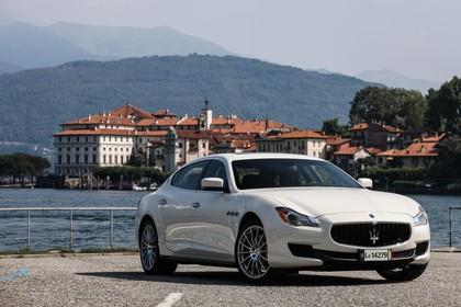 Maserati Quattroporte Aussenansicht Front schräg statisch weiss